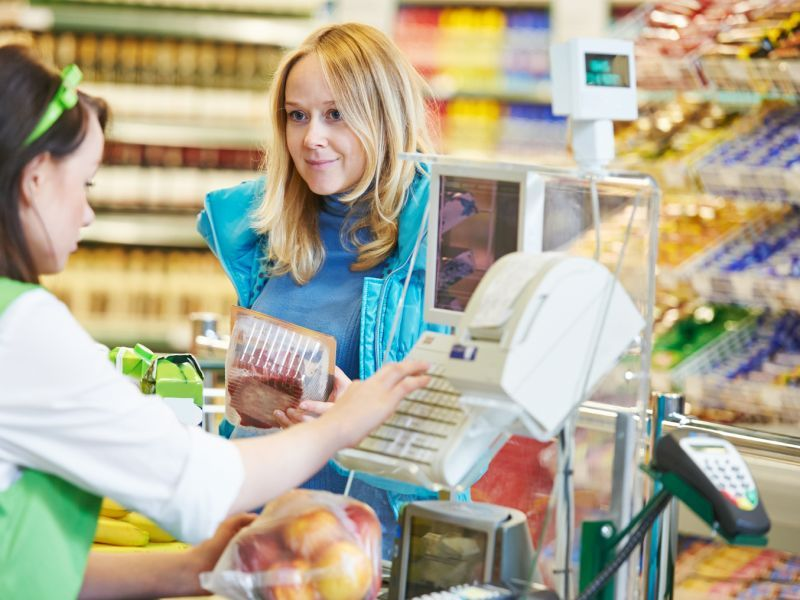 News Picture: Rate of Asymptomatic SARS-CoV-2 High Among Grocery Store Workers