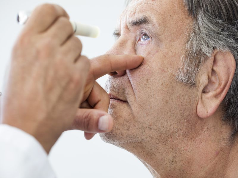 News Picture: Spotting the Symptoms of Diabetic Retinopathy