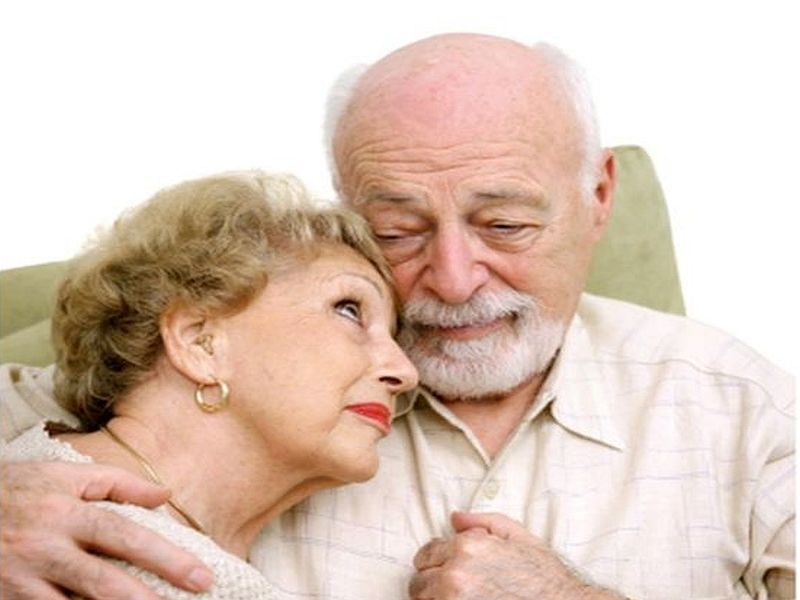 News Picture: When Your Spouse Gripes About Aging, It Might Harm Your Health
