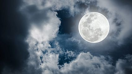 News Picture: Are the Moon's Phases Affecting Your Sleep?
