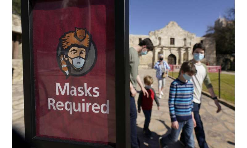 Study finds mask mandates, dining out influence virus spread