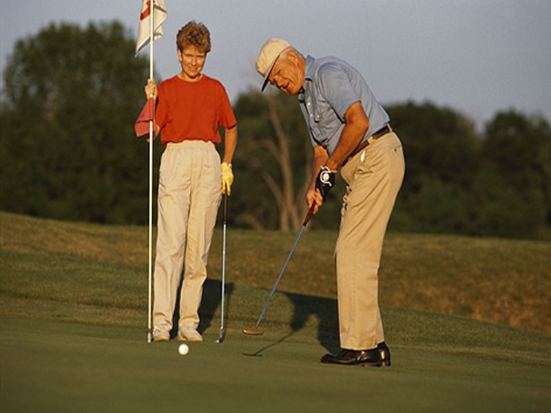 News Picture: Could Taking a Swing at Golf Help Parkinson's Patients?